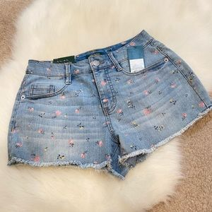 NWT Wild Fable 🌹🌷rose print denim shorts size 0